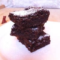 Tominak szeretettel: mogyoróvajas brownie kandírozott gyömbérrel