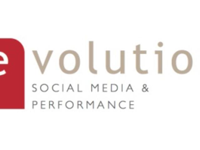 Egyre nagyobb üzlet a cégeknek a közösségi média és az okostechnológia