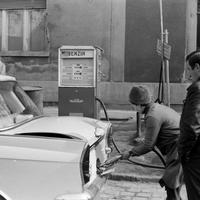 Tényleg olcsóbb volt 50 éve autózni?