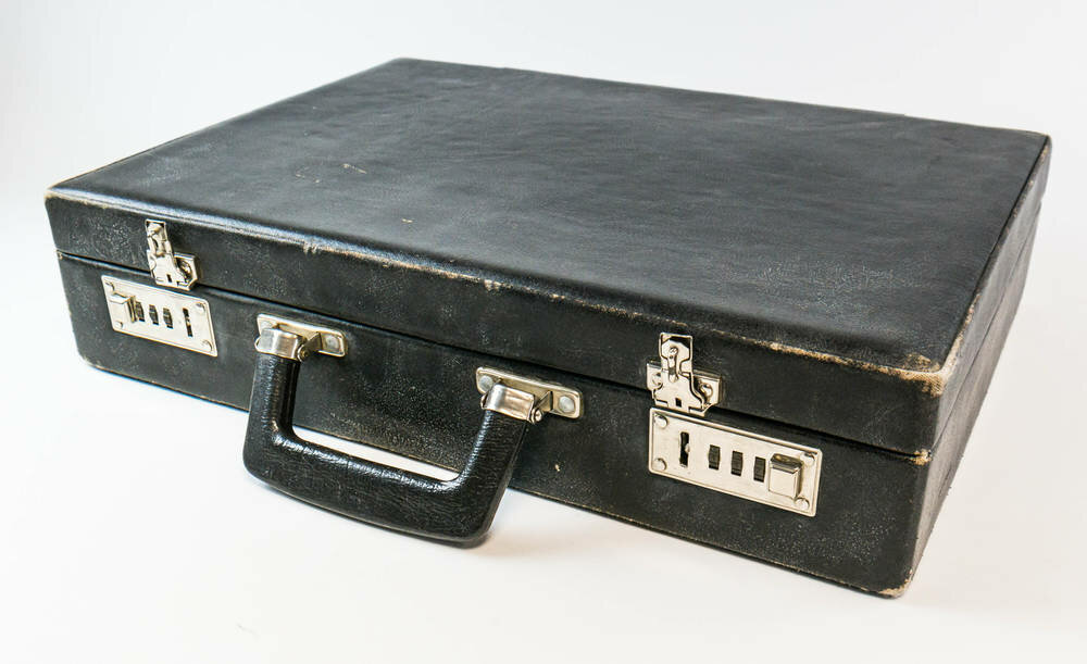 A legmenőbbek diplomata táskával jártak iskolába.Forrás: DDR Museum - Berlin
