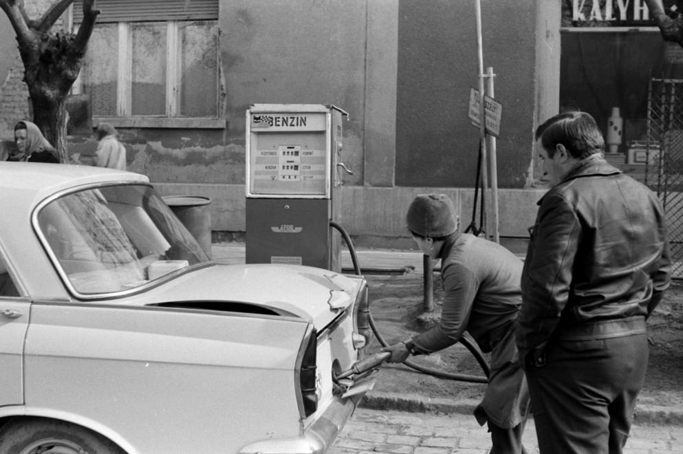auto19691.jpg
