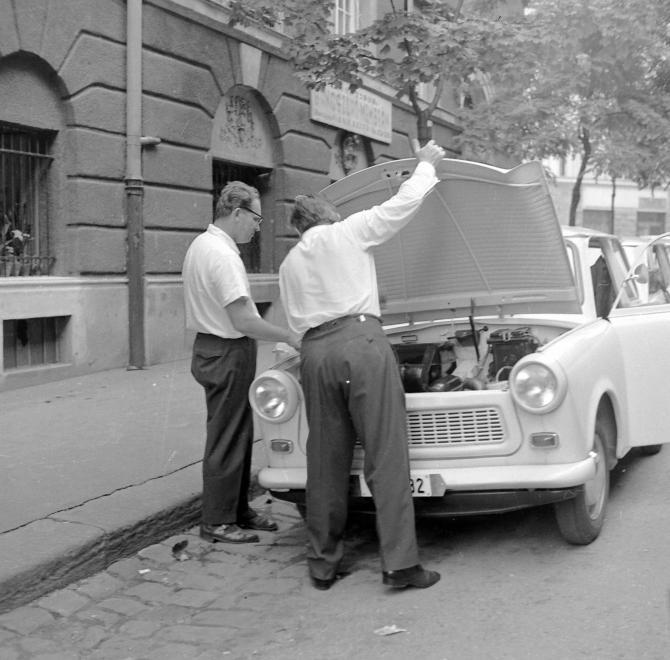 auto19692.jpg