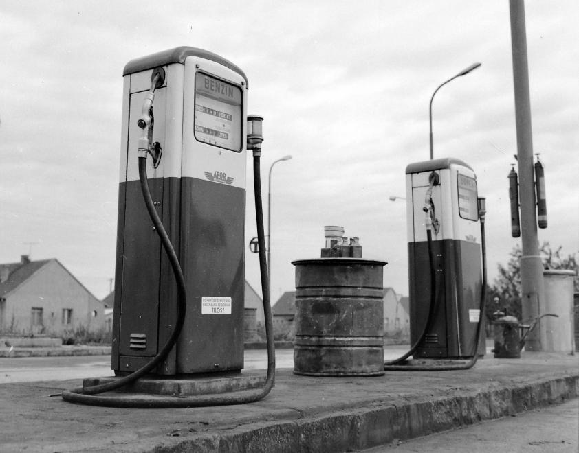 benzin2.jpg