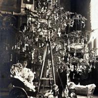 Karácsonyi előkészületek a két világháború között