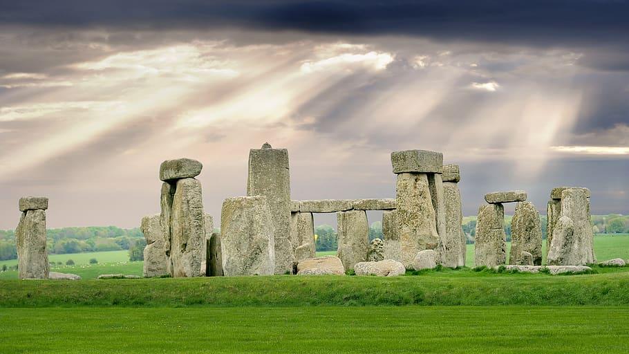 stonehenge-england-monument-miracle.jpg