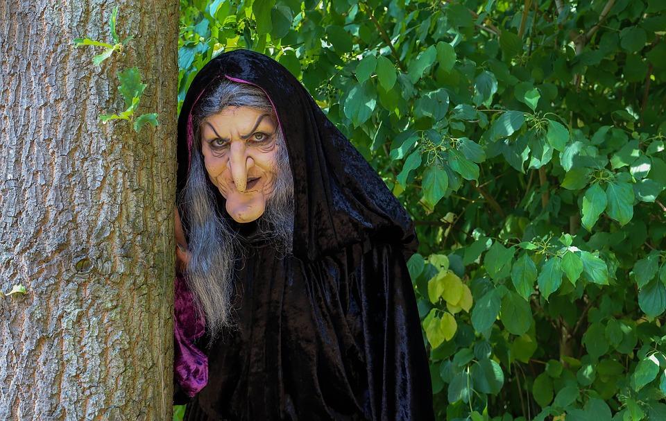 witch-3693374_960_720.jpg