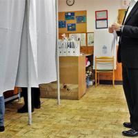 262. Róna Dániel: Lábbal szavaztak?