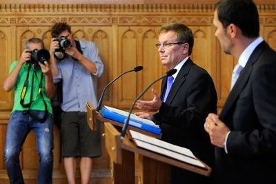 A 2010-es választások előtt a Fidesz számtalan alkalommal (példák itt és  itt) deklarálta  nincs szükség adóemelésekre és megszorításokra 99cbb15a27