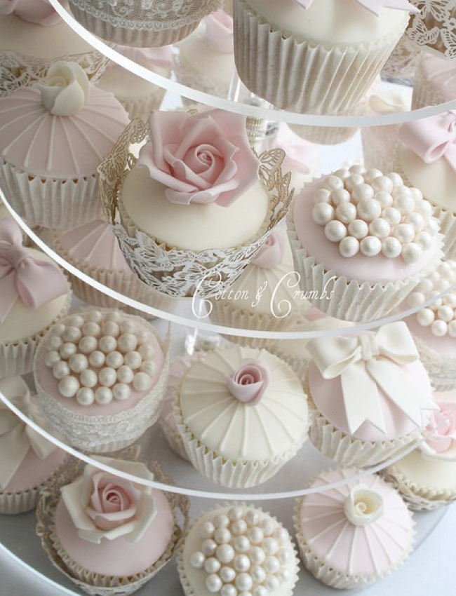 romantic-wedding-cupcakes_001.jpg