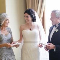 Elvált szülők az esküvődön