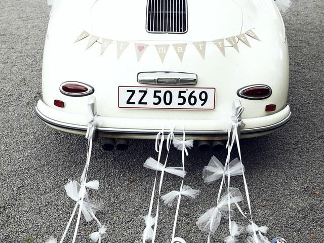 Konzerves autó esküvőre? Nem gagyi?