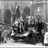 Véres csütörtök az Országház előtt, 1956 október 25 -én