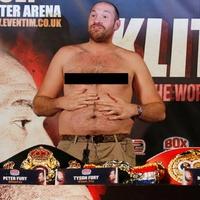 TD|BOX: Tyson Fury ledobta a textilt (videó)