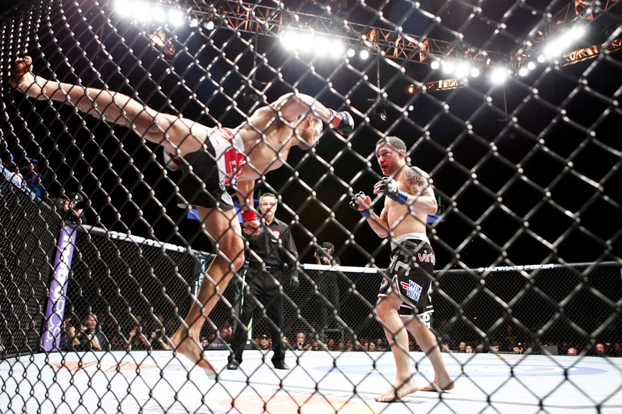 aldo_edgar_supermanpunch_ufc156.jpg