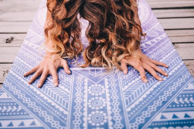 stock-photo-close-up-sport-hair-hands-yoga-meditation-candid-zen-mindfulness-3a0df762-8e3b-4842-8b87-dcad112d7e42.jpg