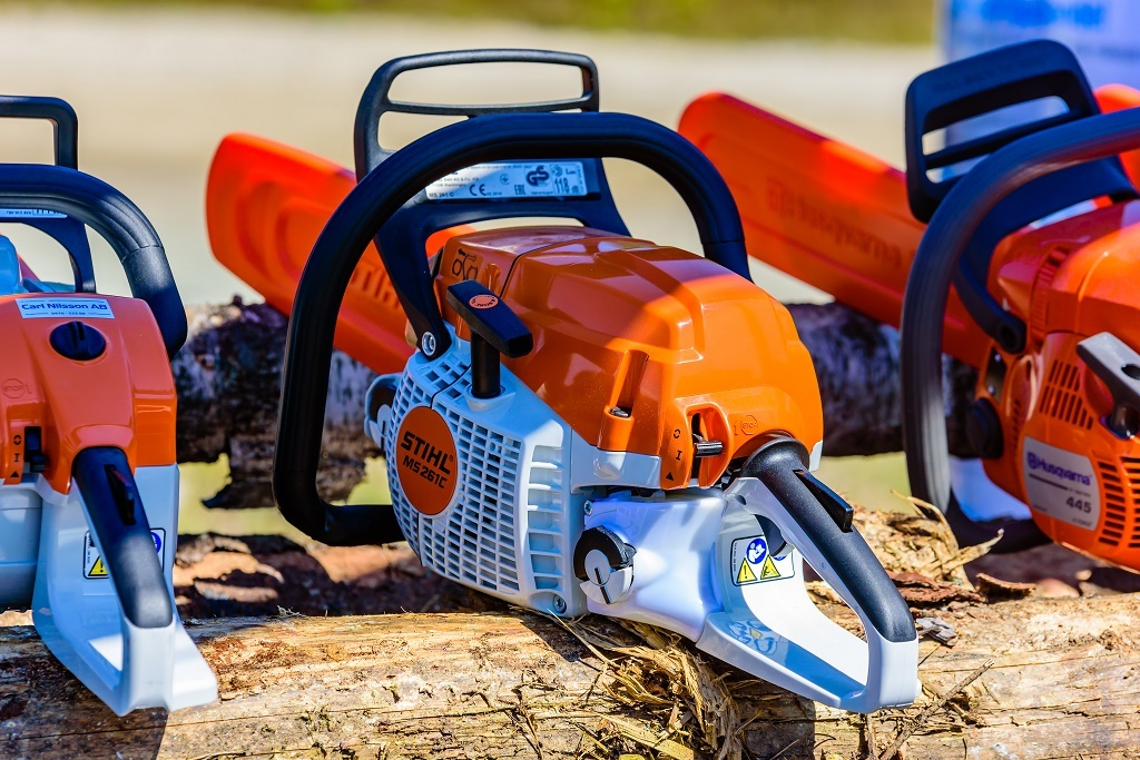 a-stihl-chainsaw-in-sunlight.jpg