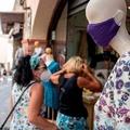 Katalónia kijárási tilalmat, fél Spanyolország szigorúbb maszktörvényt vezet be a gócpontok miatt
