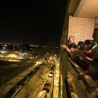 Kijárási tilalom - Erkélyről bingóznak a spanyolok
