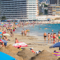 Nem kell karanténba vonulniuk a turistáknak Spanyolországban