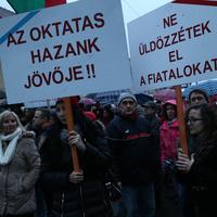Unokáinkért tüntettünk - Budaörsön is!