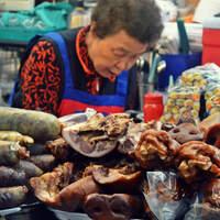Péniszhal és élő polip - extrém streetfood Dél-Koreából