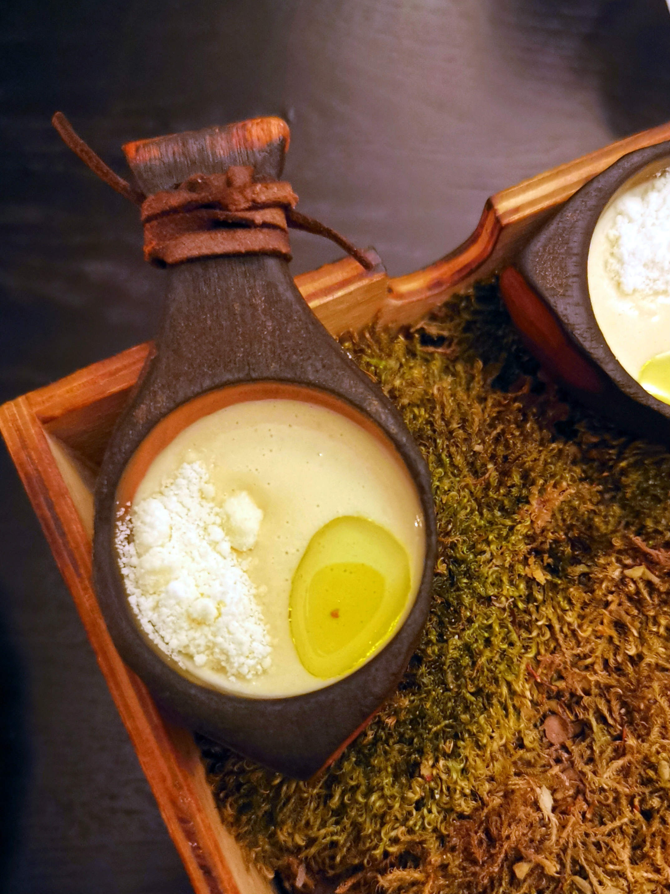 Karfiolkrémleves, szarvasgombaolajjal és vásterbotten sajttal