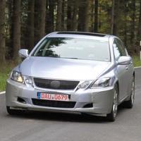 Április 19-én érkezik a Lexus új nagyautója