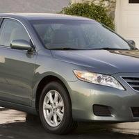 Nem az elektronikus gázpedál okozta a Toyota akaratlan gyorsulásait