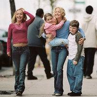 Kisanyám - avagy mostantól minden más lesz (Raising Helen, 2004)