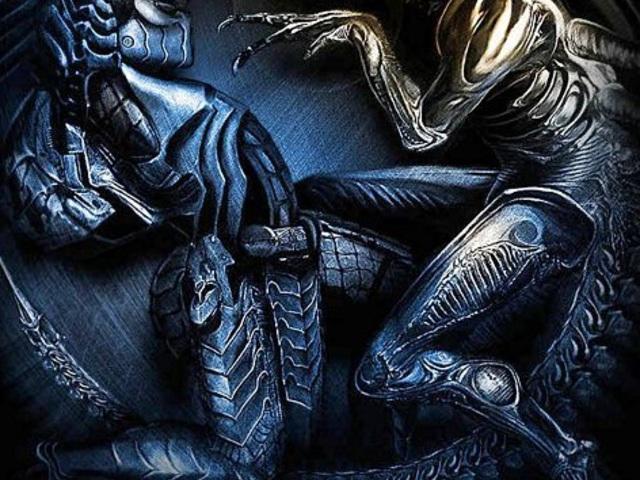 nagy fekete szörnyek farkukat