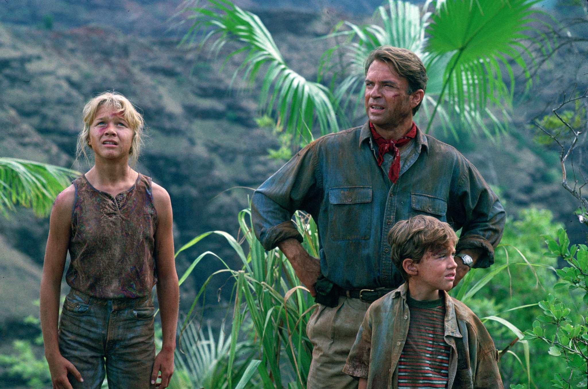 picture-of-sam-neill-ariana-richards-and-joseph-mazzello-in-jurassic-park-large-picture.jpg
