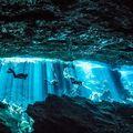 Felszín alatt Mexikó: a legendás cenote barlangok