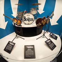 Hölgyeim és Uraim! A Beatles!