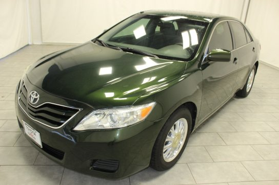 green-toyota-camry-sedan-cars-in-fort-worth-tx.jpg