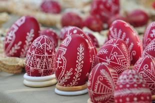 Húsvéttal kapcsolatos hagyományok hazánkban/Easter habits in Hungary
