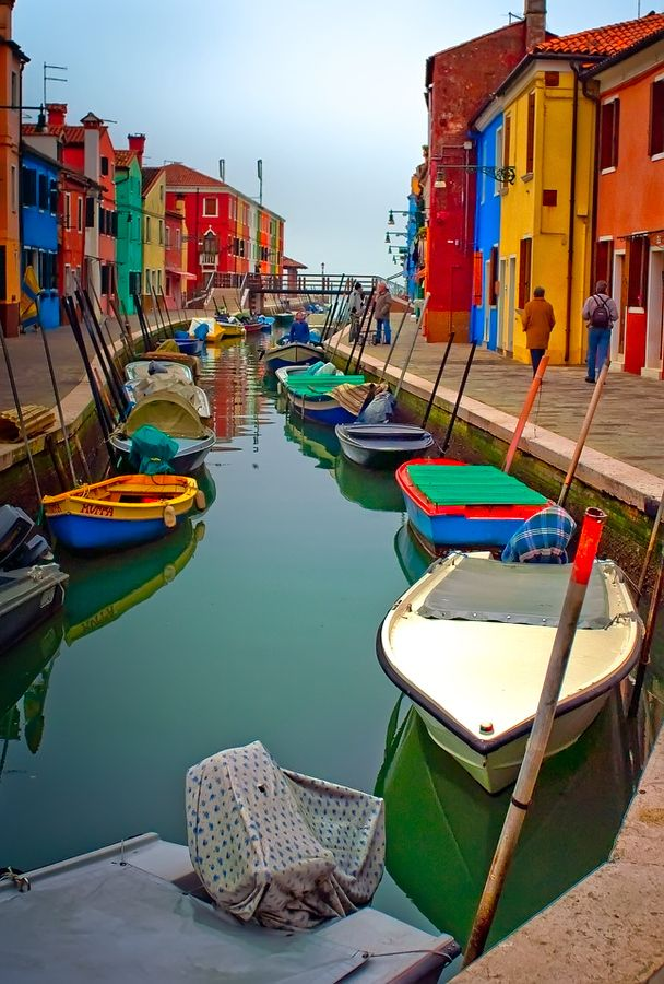 Fotó/Photo by: Neil Cherry, https://500px.com/photo/7937078/colours-of-burano-by-neil-cherry?from=popular