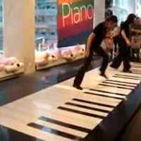Zene lábaidnak! (Video)