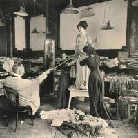 Milyen volt 100 éve egy párizsi divatszalon ?