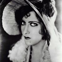 Gloria Swanson divatikon, a némafilmek sztárja