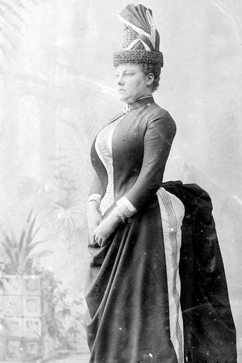 1887_amerikai_viragcserep_kalap_polcos_turnur.jpg