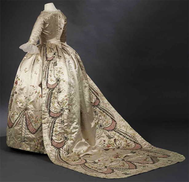 attributed-to-rose-bertin-court-dress-toronto-museum.png