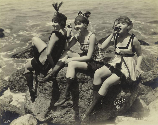 bathing_suits_pr_1918_ny_public_library.jpg