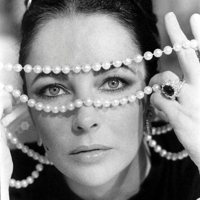 elizabeth_taylor_ashwednesday_filmstill_1973.jpg