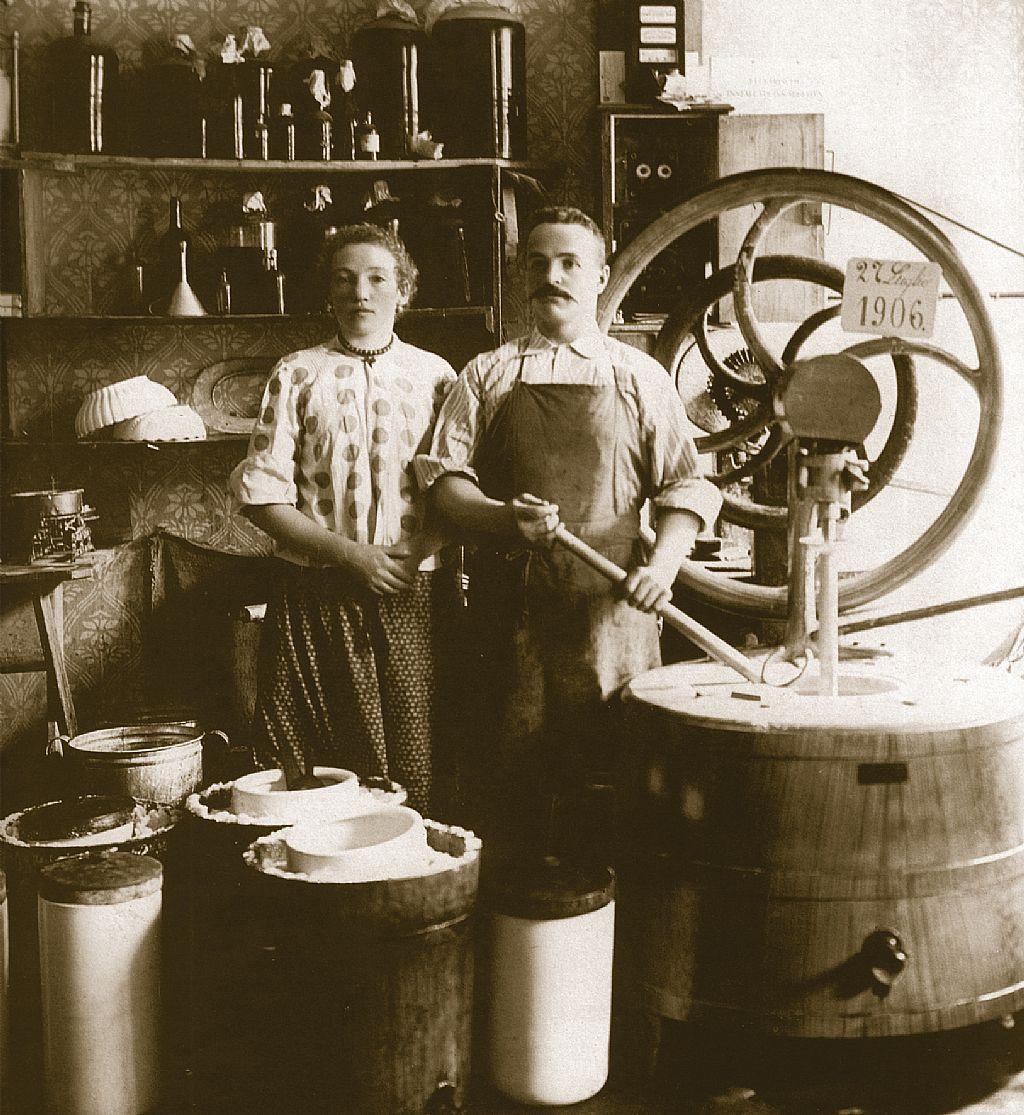 fagyi_keszites_1906_carpigianigelatomuseum.jpg