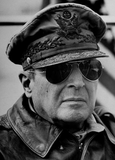 general_macarthur.jpg