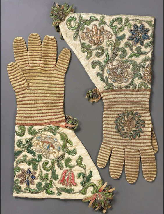 knitted_gloves_embroidery17thc_frenchmuseumoffineartsboston.jpg