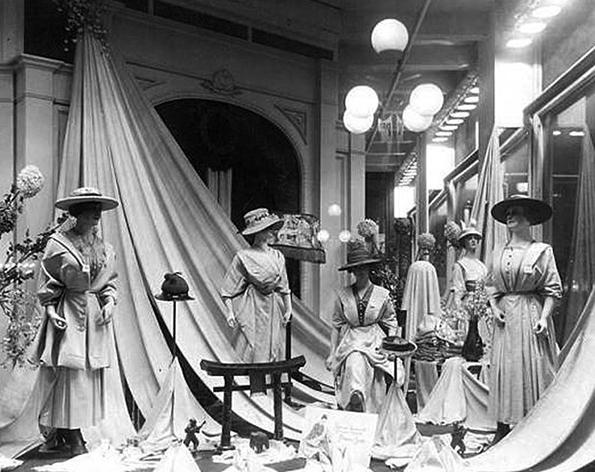 shopwindow_1918.jpg