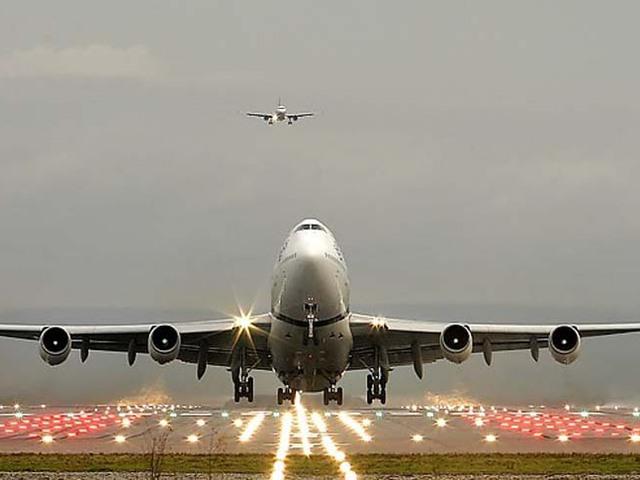 Vége a tarthatatlan állapotoknak? Közvetlen járat indul a belváros és a repülőtér között