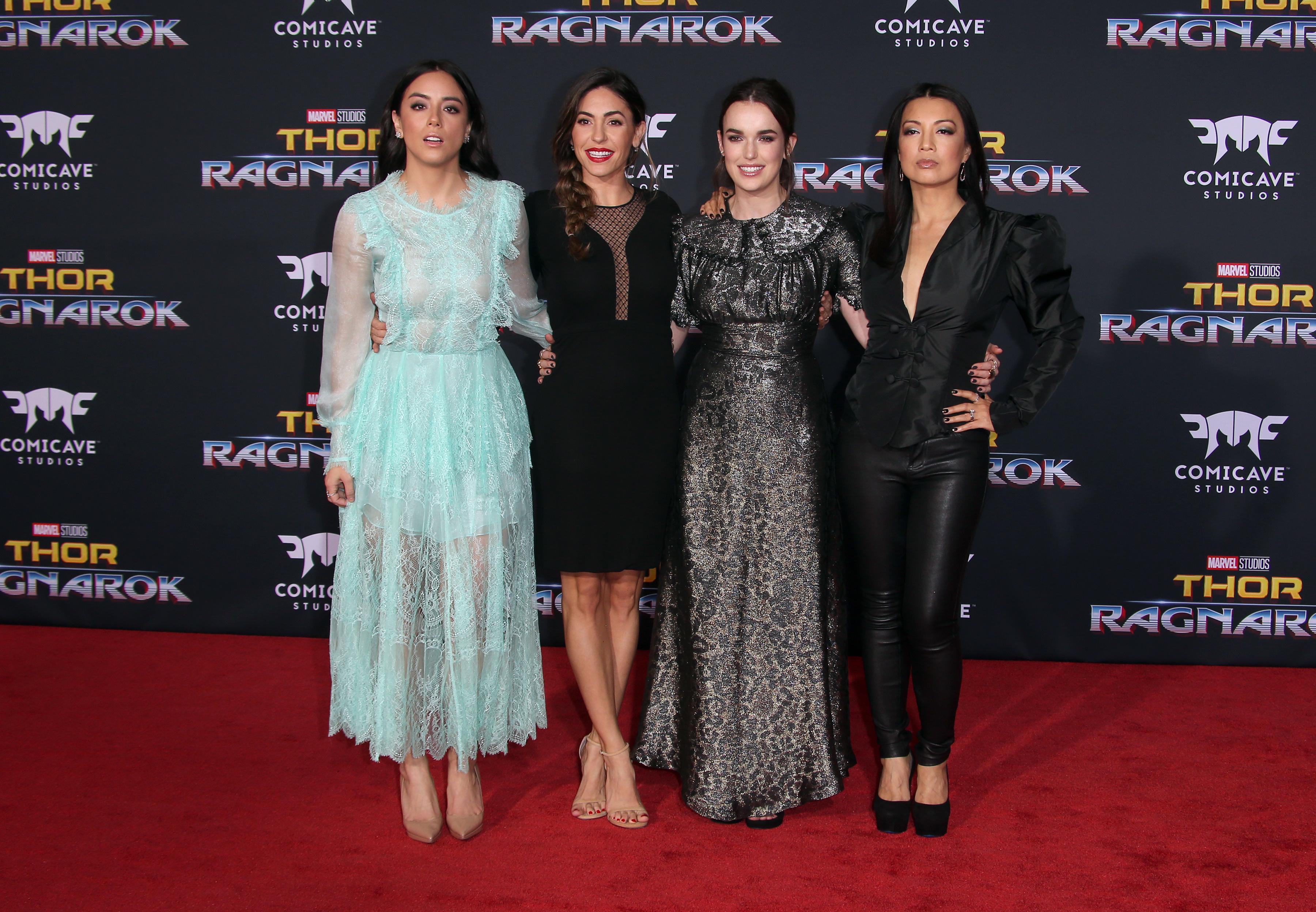 Chloe Bennet, Natalia Cordova-Buckley, Elizabeth Henstridge és Ming-Na Wen