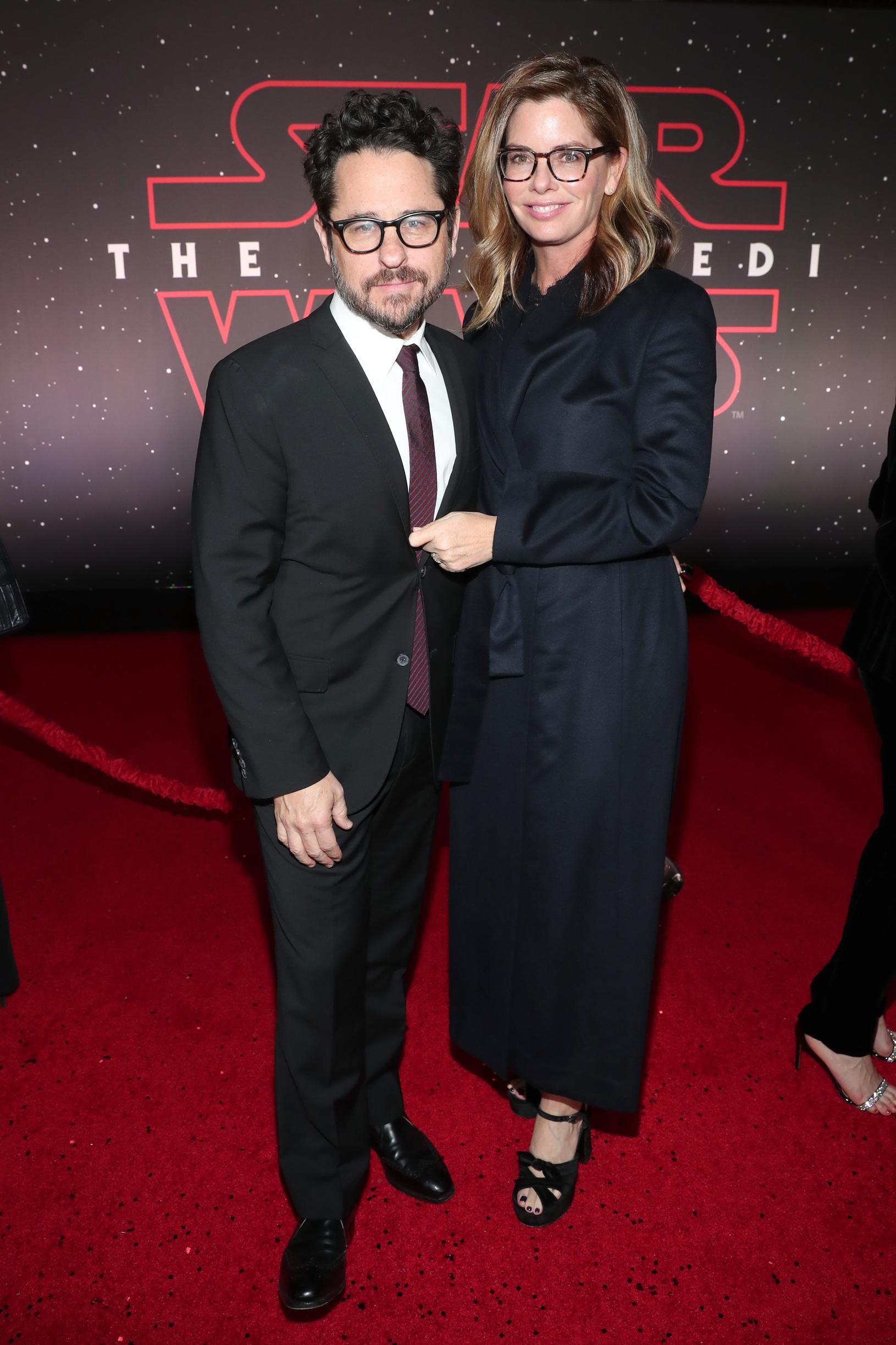 J.J. Abrams és Katie McGrath executive producerek